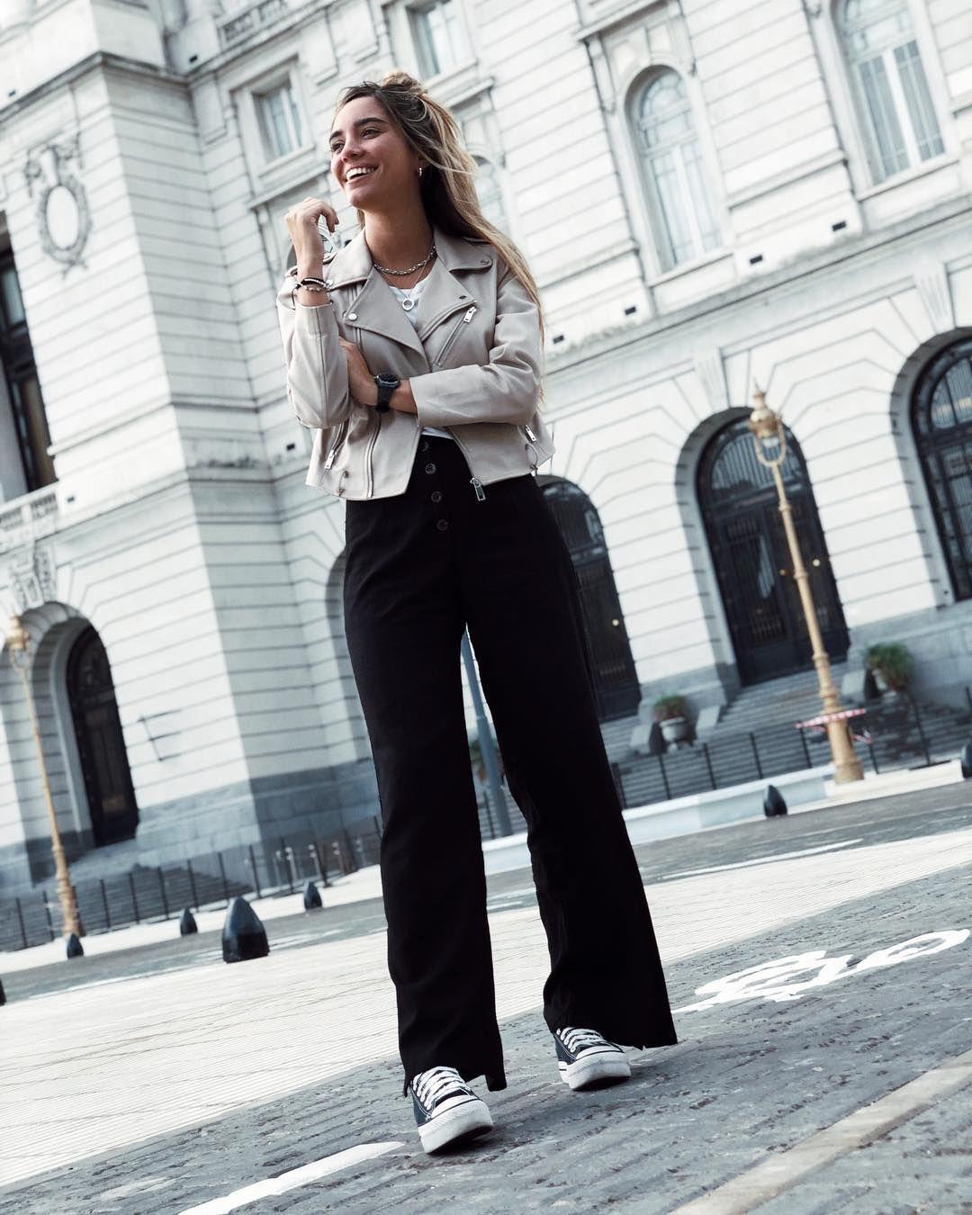Seguimos Con La Onda De Pantalones Anchos Son Un Camino De Ida Quiero Decir Son Muy Comodos Quie Ropa Trajes De Pantalon Ropa De Mujer