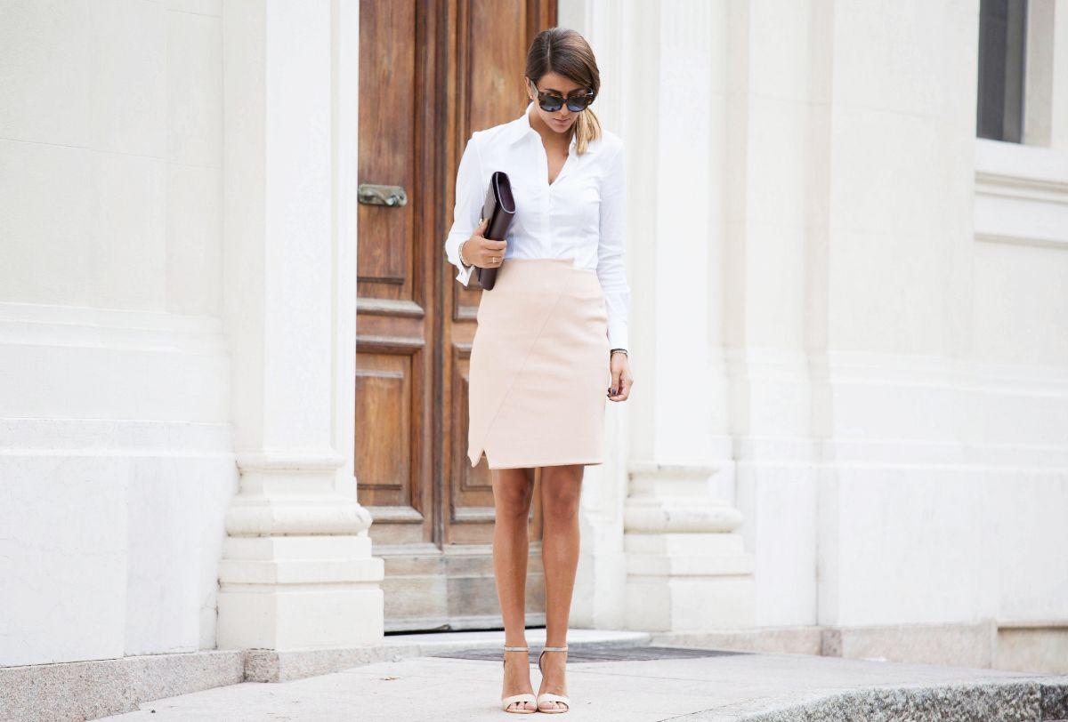 low priced 26a4f 244de gonna a tubino color cipria outfit elegante fashion blogger ...