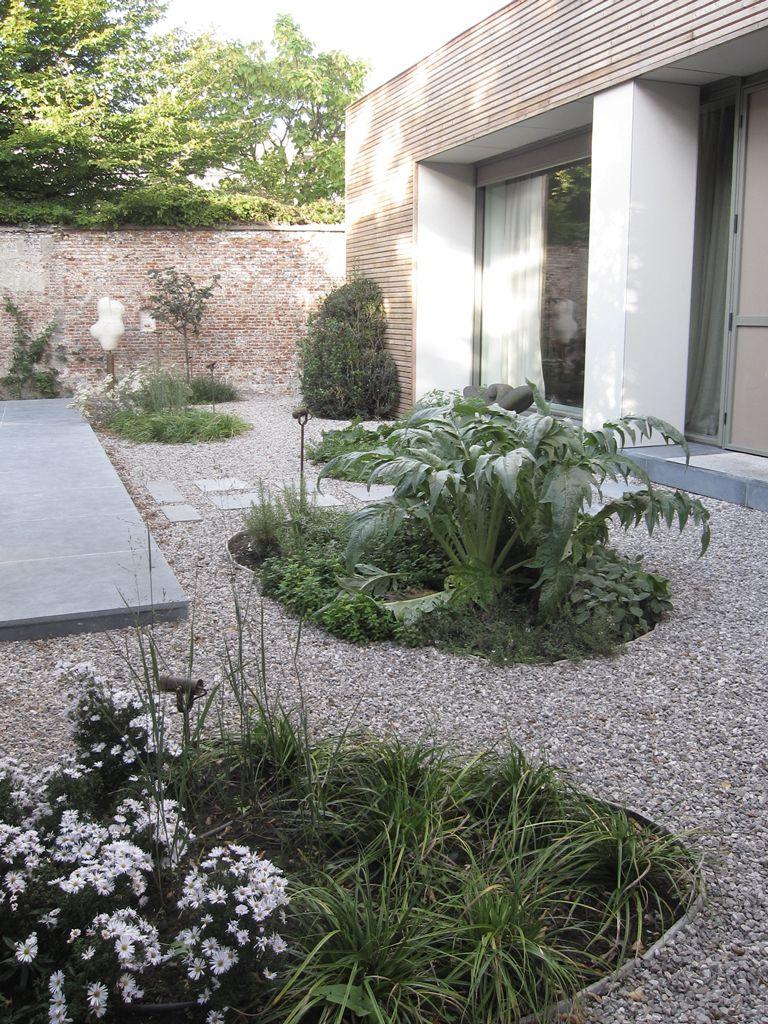A nature friendly city garden. A design that also meets the BREEAM-norm. By Avantgarden.