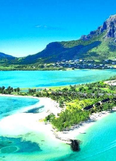 Turquoise sea of Le Morne | Mauritius