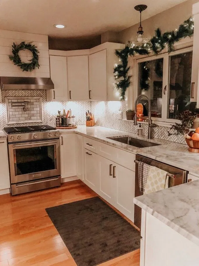 13 Christmas Kitchen Holiday Decor Tips And Ideas Kitchen Decor