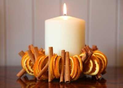 Decoraci n de navidad en tonos naranjas manualidades - Como decorar velas ...
