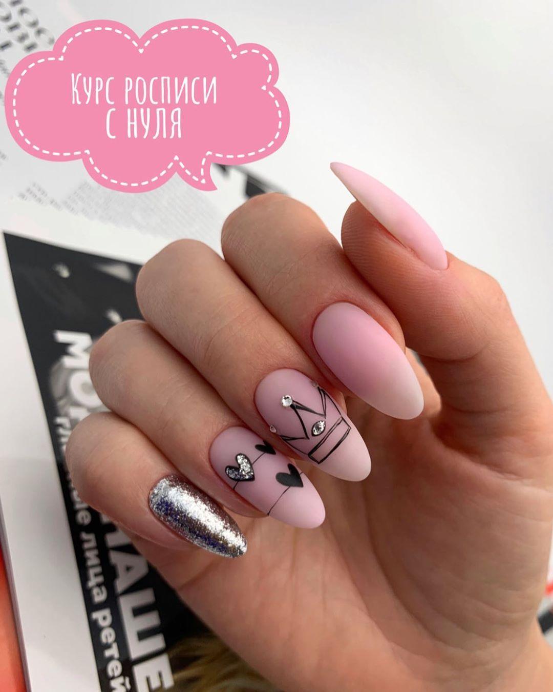 Pin de Brenda Mebarak en Uñas en 2020 | Manicura de uñas, Uñas doradas, Uñas blancas