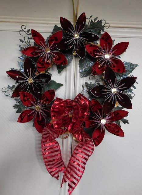 Christmas Wreath Using Origami Flowers Crafts Christmas Origami