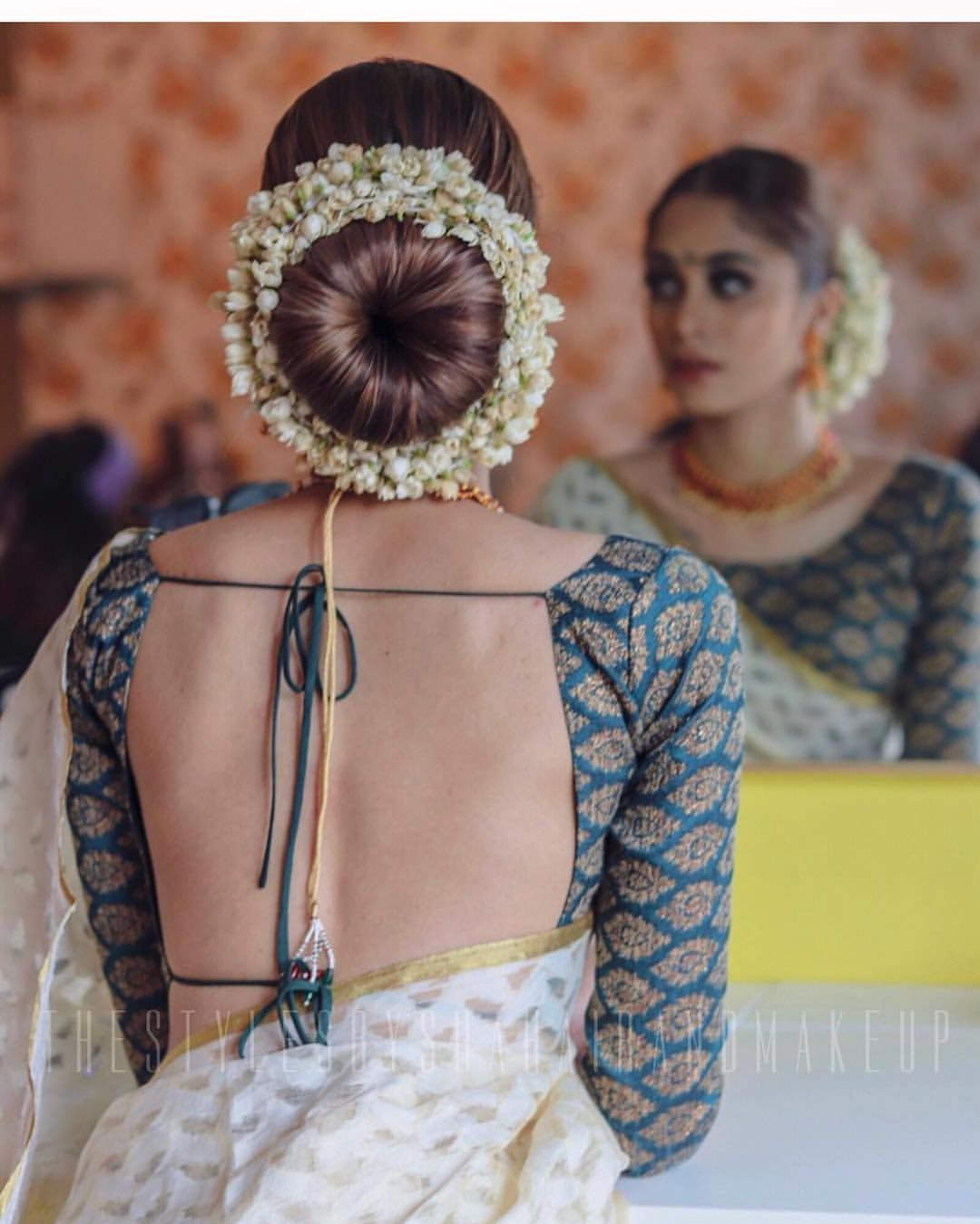 The Perfect Bun W Jasmine Flowers Floralfriday Mua Indian Wedding Hairstyles Saree Hairstyles Indian Bride Hairstyle