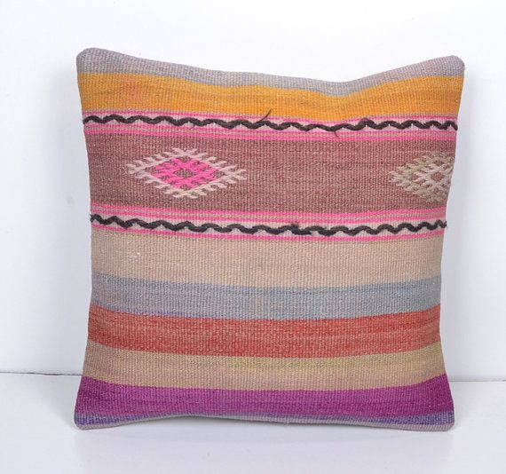 * %100 Handmade * Over 30 years old  * %100 wool  * Lining is polyester  * It has a zipper at backside  * 40 x 40 cm / 16 x 16 inches    We are