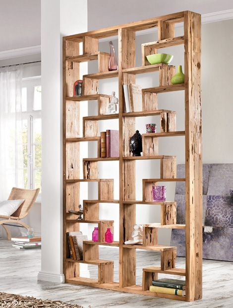 Mit einem freistehenden Regal als Raumteiler kann das Zimmer jederzeit neu  Wohnen Regale