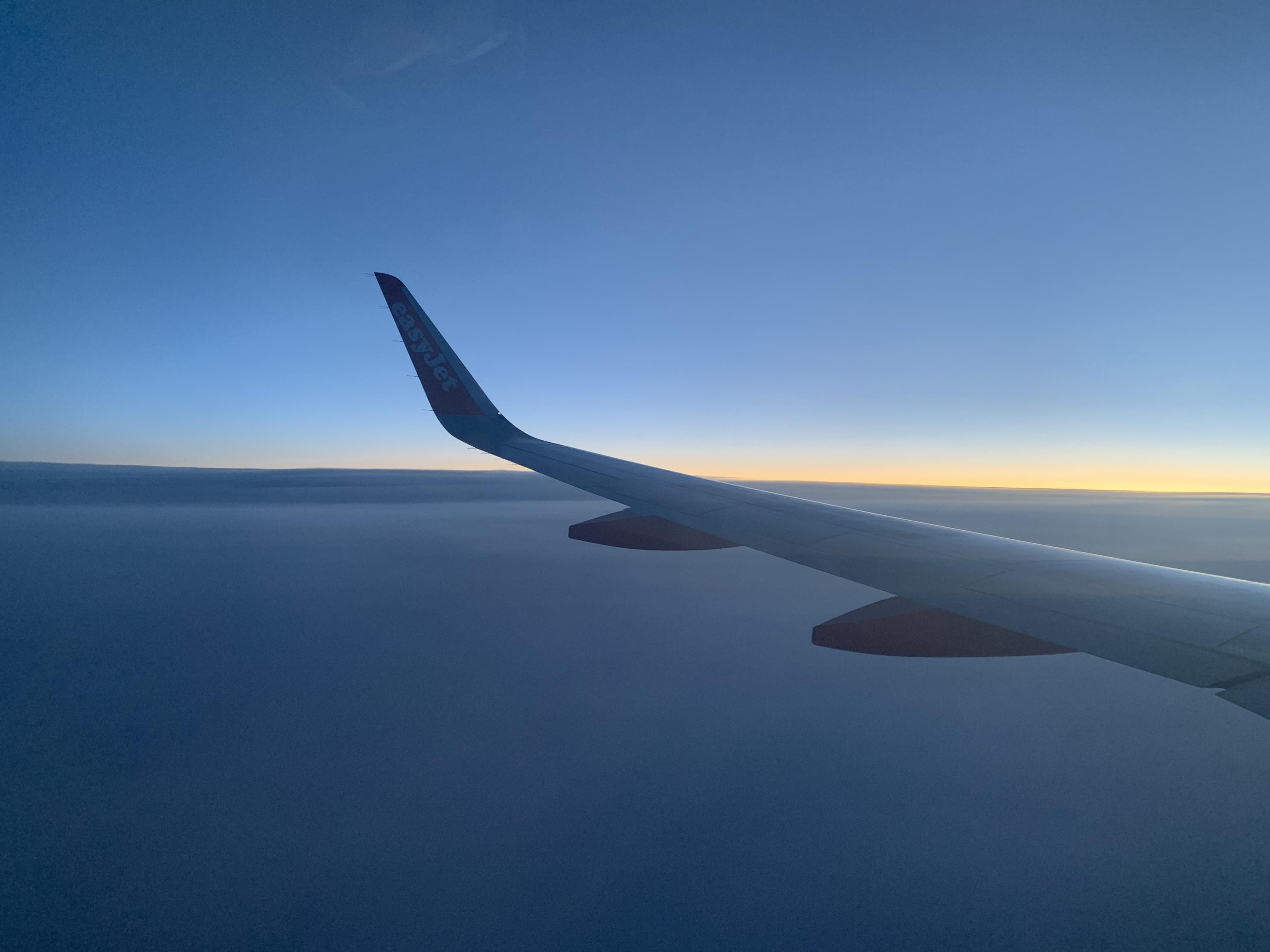 Itap On An Easyjet Plane At Sunrise Photo Capture Nature Incredible In 2020 Photo Backgrounds Photography Kit Scenes