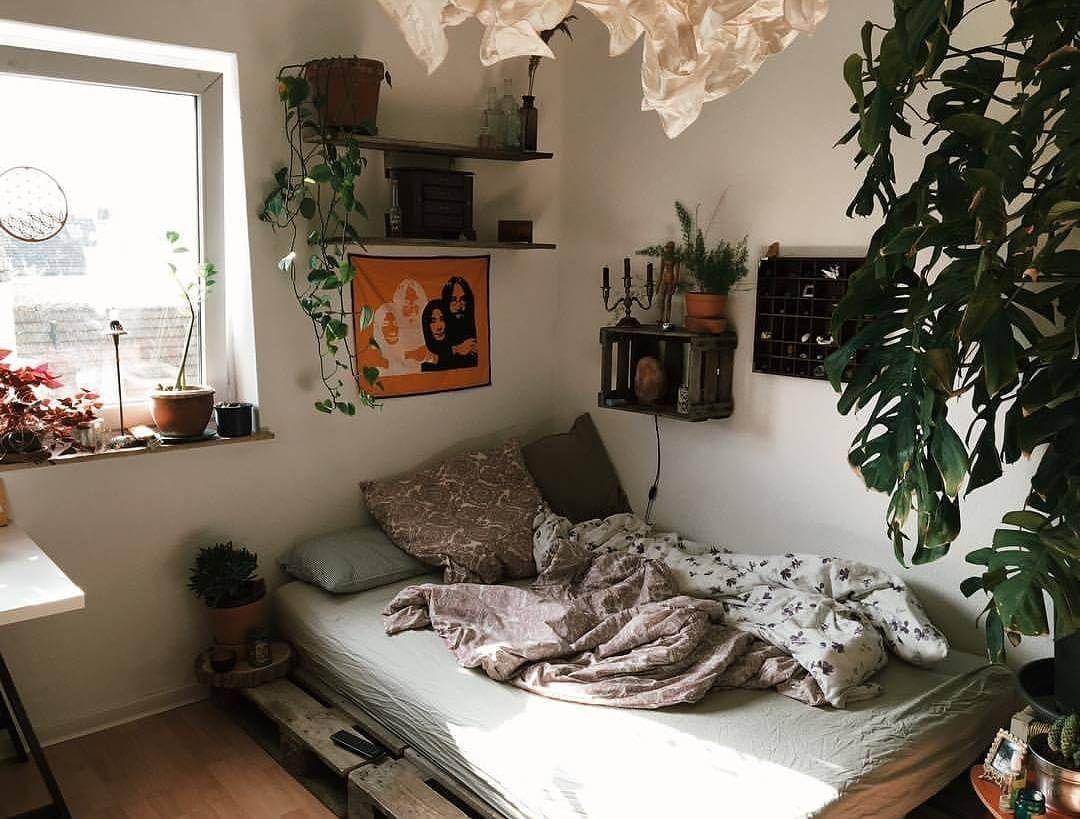 Simple Diy Bedroom Decoration Ideas Room Inspiration Bedroom Bedroom Decor House Rooms