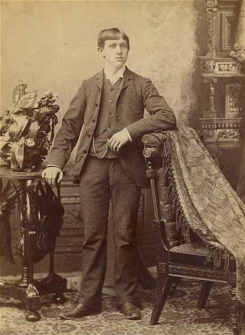 Memento Mori Photographs | Memento Mori: Victorian Death Photos / Man being held up by posting ...