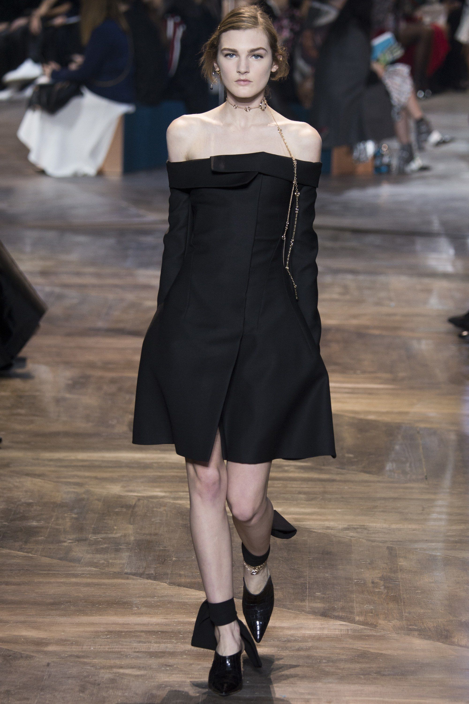 00592384a86 Christian Dior Spring 2016 Couture Fashion Show | Christian Dior ...