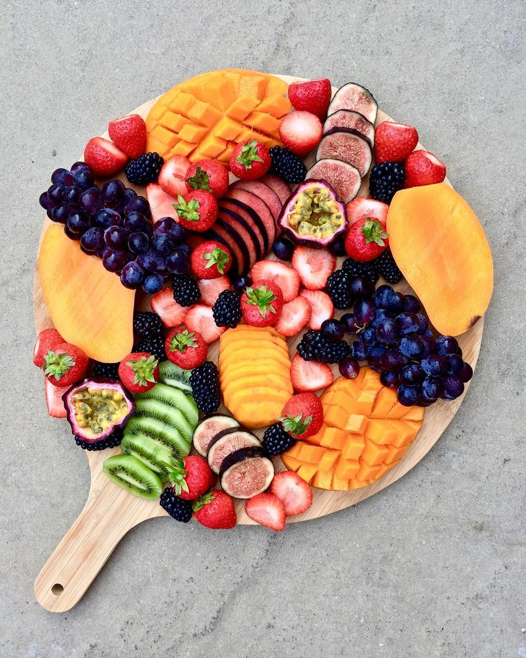 Chilled Fruit Platter To Share Whatonmyplate Luz