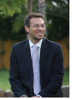 Javier Ribal: Director de Coordinación de Taxo Valoración. Además de desempeñar las tareas de dirección de este departamento, Javier es Ingeniero Agrónomo, doctor en Economía y Ciencias Sociales y profesor titular en la Escuela Técnica Superior de Ingeniería Agronómica y Medio Natural y en la Facultad de Administración de Empresas de la Universidad Politécnica de Valencia.