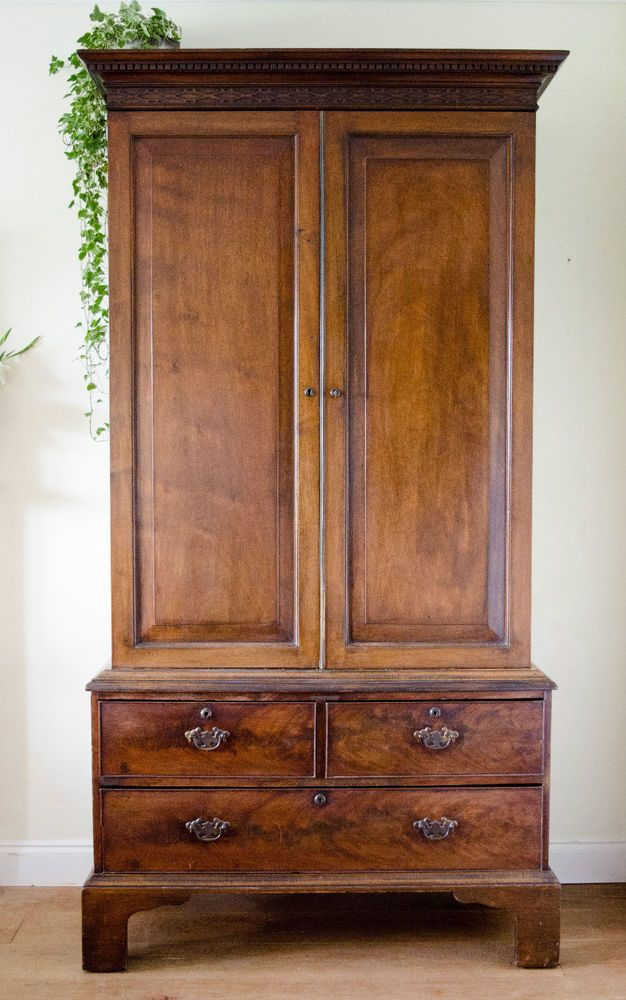 Stunning Antique 19th Century Victorian Mahogany Wardrobe Armoire Hanging  Robe