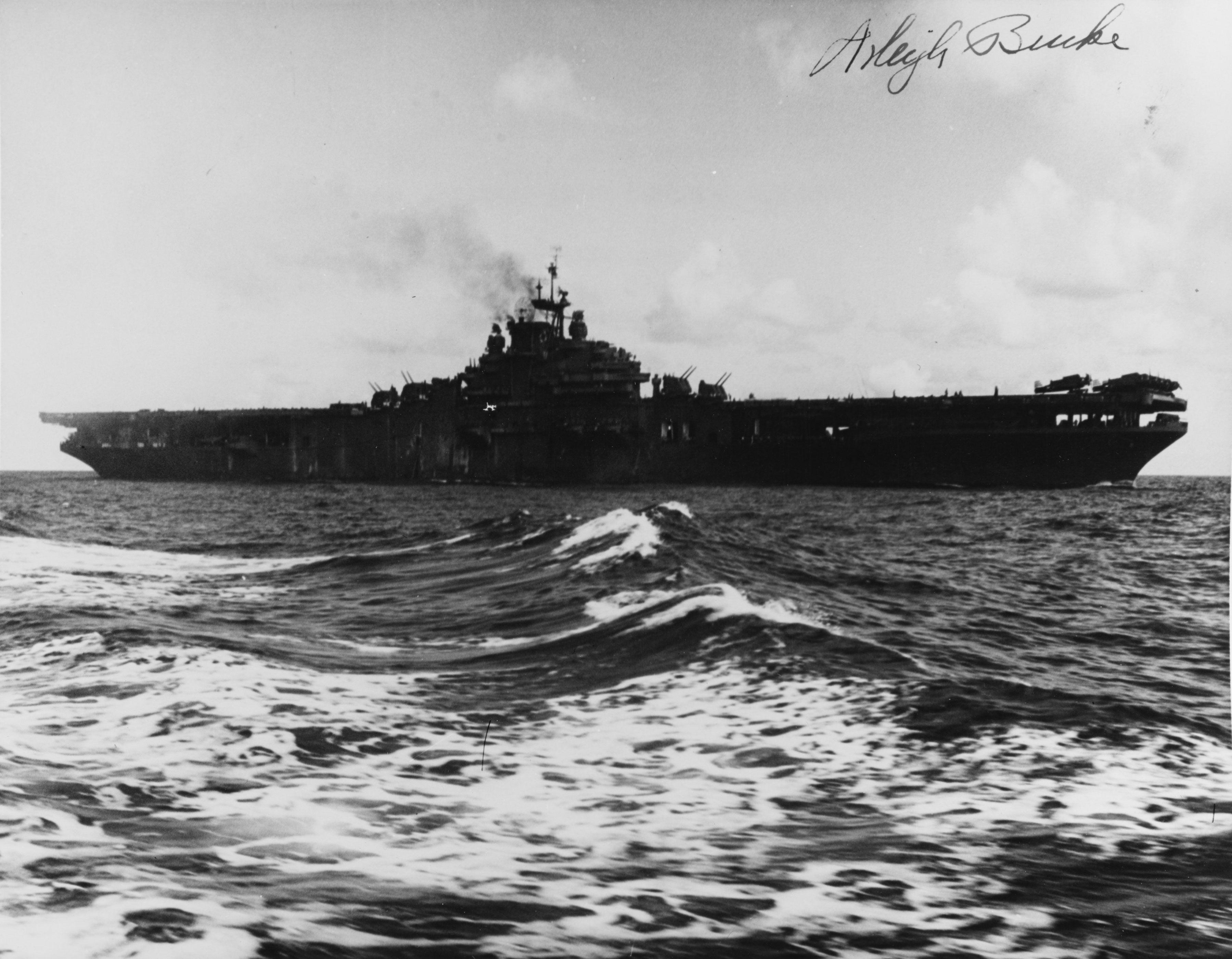 USS RANDOLPH (CV-15) [3600 x 2802] | Aircraft carrier