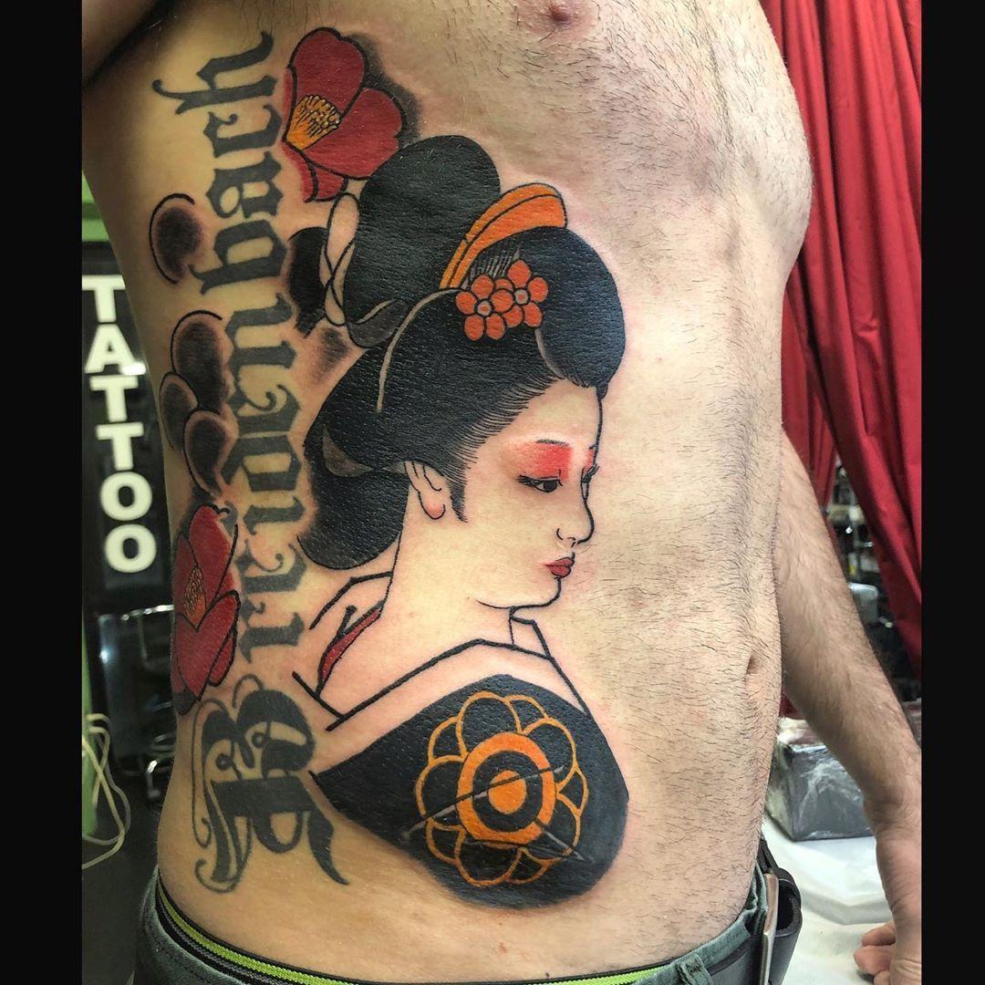 和柄なのかタトゥーなのか微妙なのでアップ 志村立見先生 彫師 杏仁丸 Oggy Traditional Japanese Tattoos Only 基本的には浮世絵をベースにしたオリジナルの和柄和物を中心にやってます Okinawa Tattoo Tattoos Japane タトゥー 沖縄 タトゥー 和柄