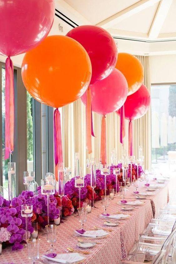 Adorna tus Centros de Mesa con coloridos globos gigantes Fiesta
