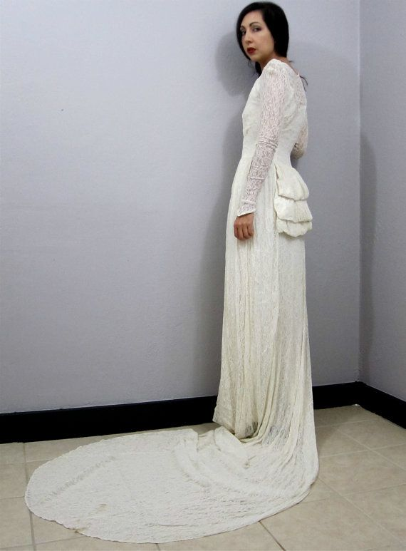 RARE Vintage 1940\'s Chantilly Lace Wedding Dress Bustle Train ...