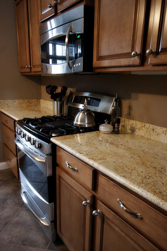 Colonial Cream Granite Installed Design Photos And Reviews Granix Inc Kitchen Design Small Kitchen Interior Kitchen Countertops