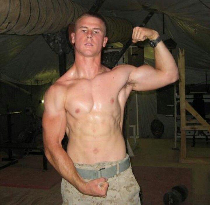 Heiße nackte Armee Jungs