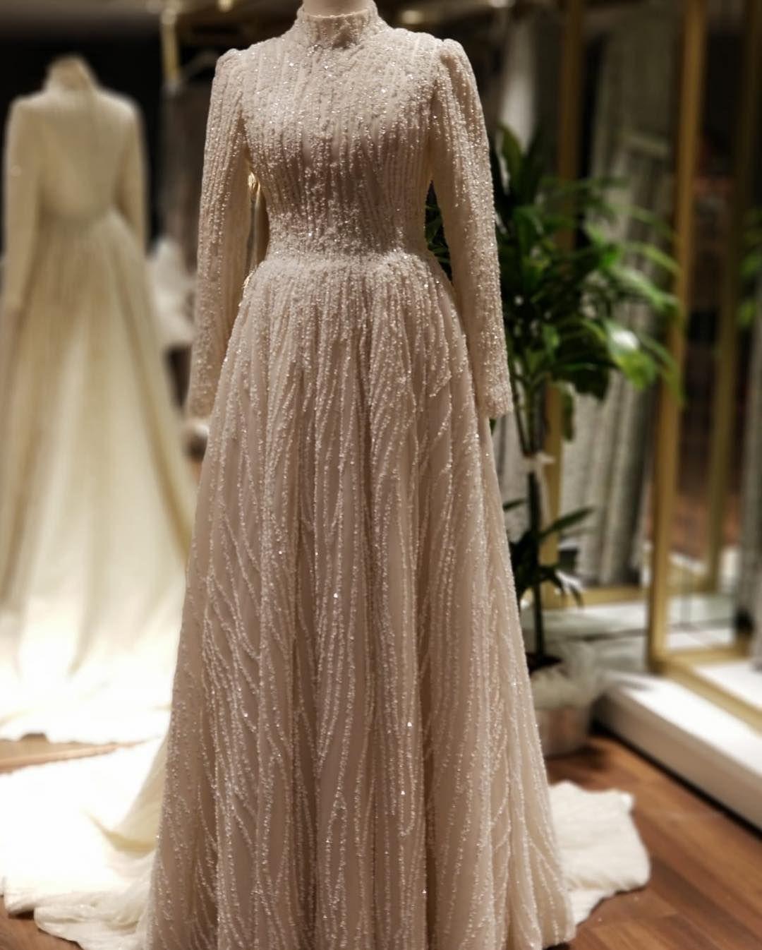 Goruntunun Olasi Icerigi Bir Veya Daha Fazla Kisi Tesettur Gelinlik Mo Tesettur Gelinlik Model Evening Dresses Elegant Hijab Dress Party Hijab Wedding Dresses