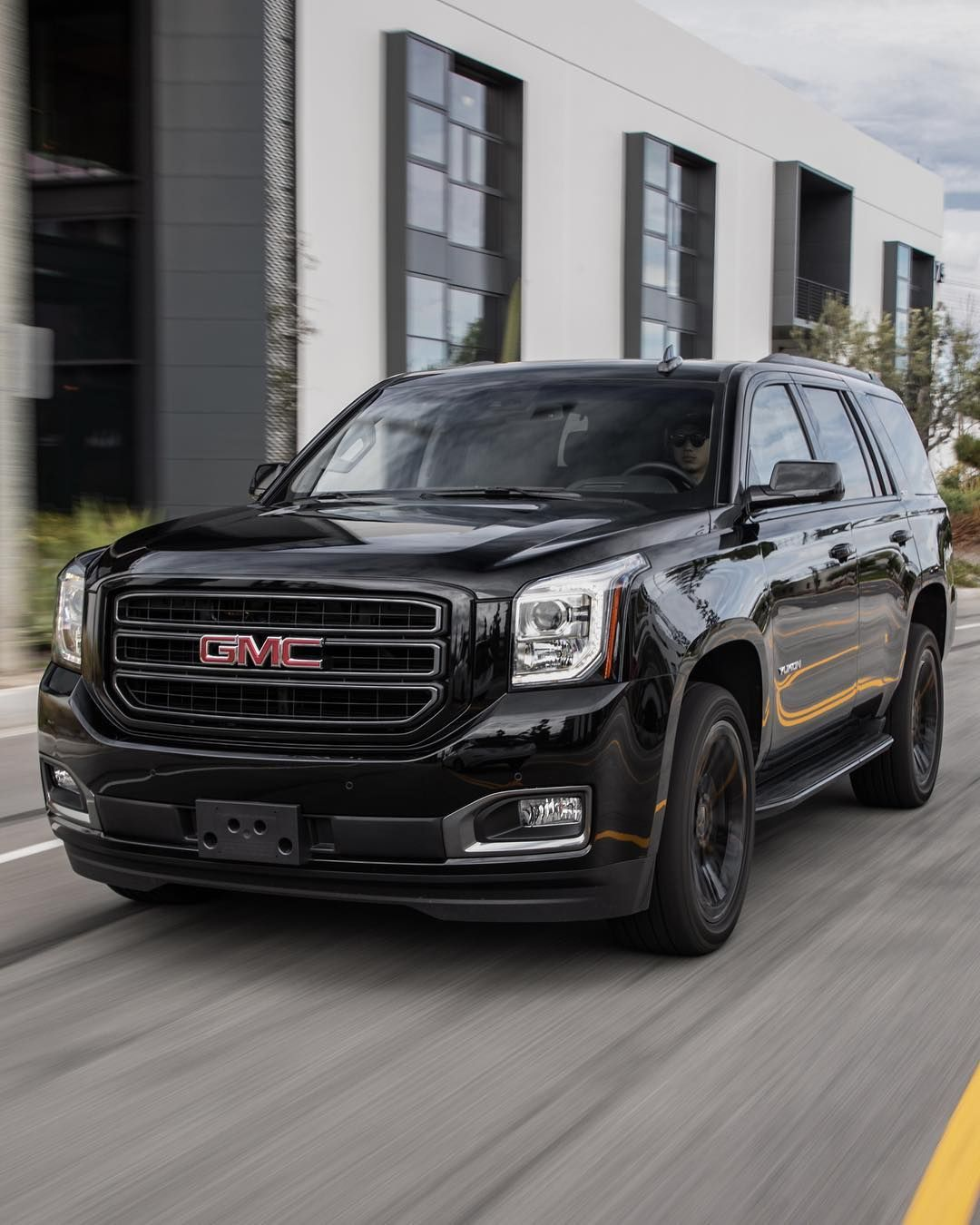 Motortrend On Instagram One Look At The 2019 Gmc Yukon Graphite