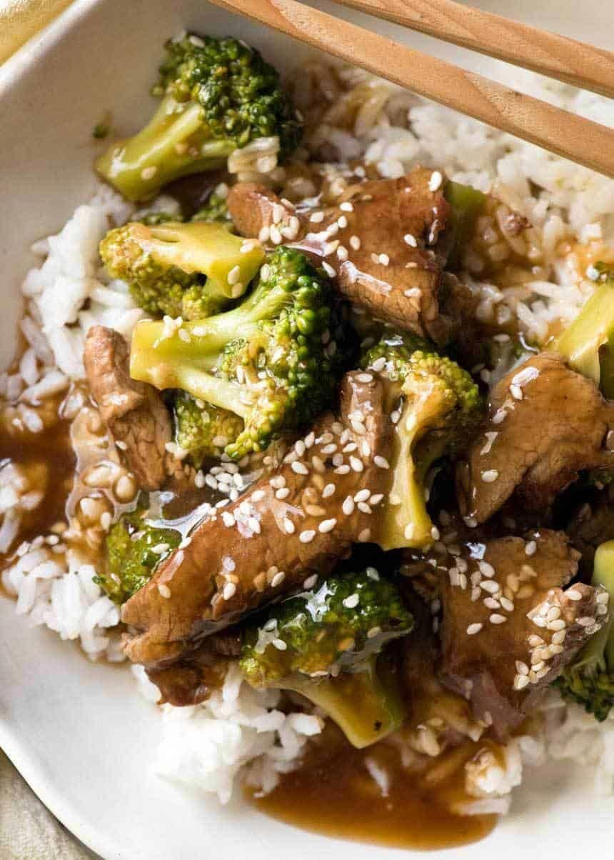 Who needs to order takeout when you have a Chinese Beef and Broccoli recipe sourced from a Chinese restaurant? AND the secret for how Chinese restaurants tenderise beef? #broccolirecipes #beefandbroccoli