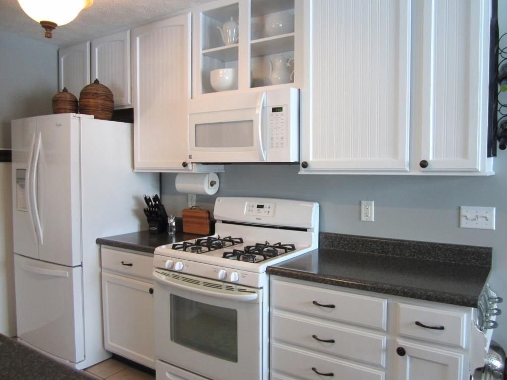 Don T Be Afraid Of Matching Whites In A Mostly White Kitchen Here S How White Kitchen Appliances White Appliances Kitchen Design