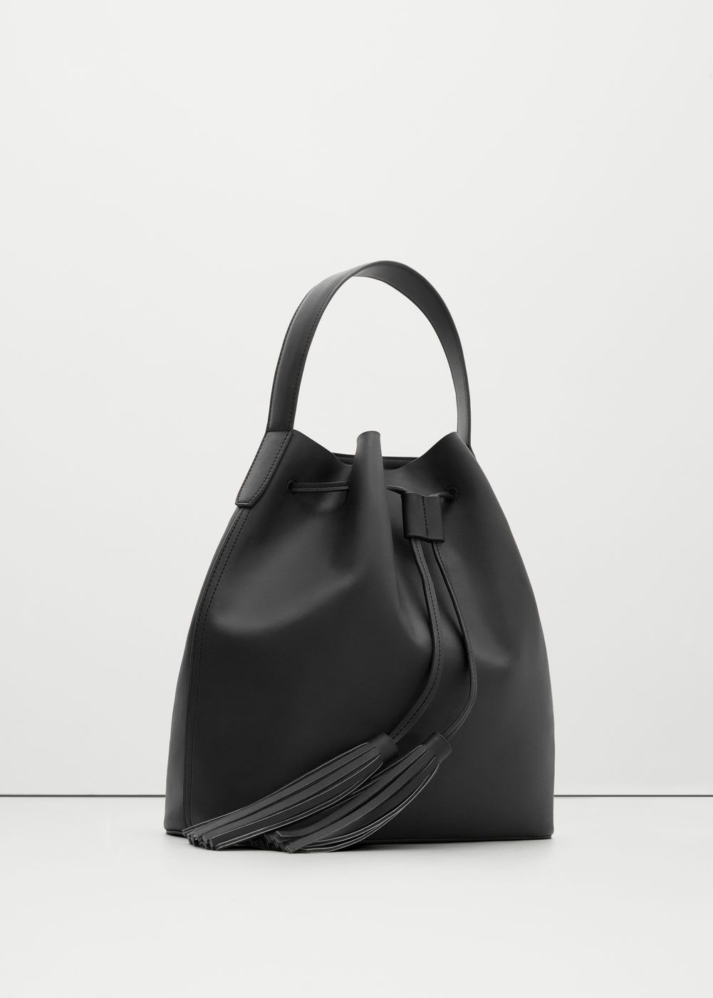 Tassel hobo bag - Bags for Woman | MANGO The Philippines | Zara ...
