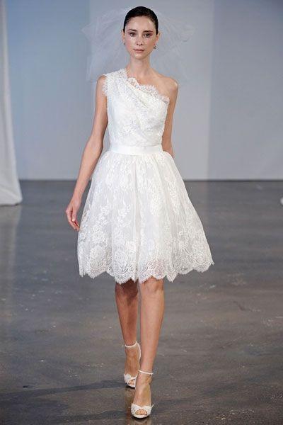 Schöne kurze Hochzeitskleider: One shoulder mit Spitze | kleider ...
