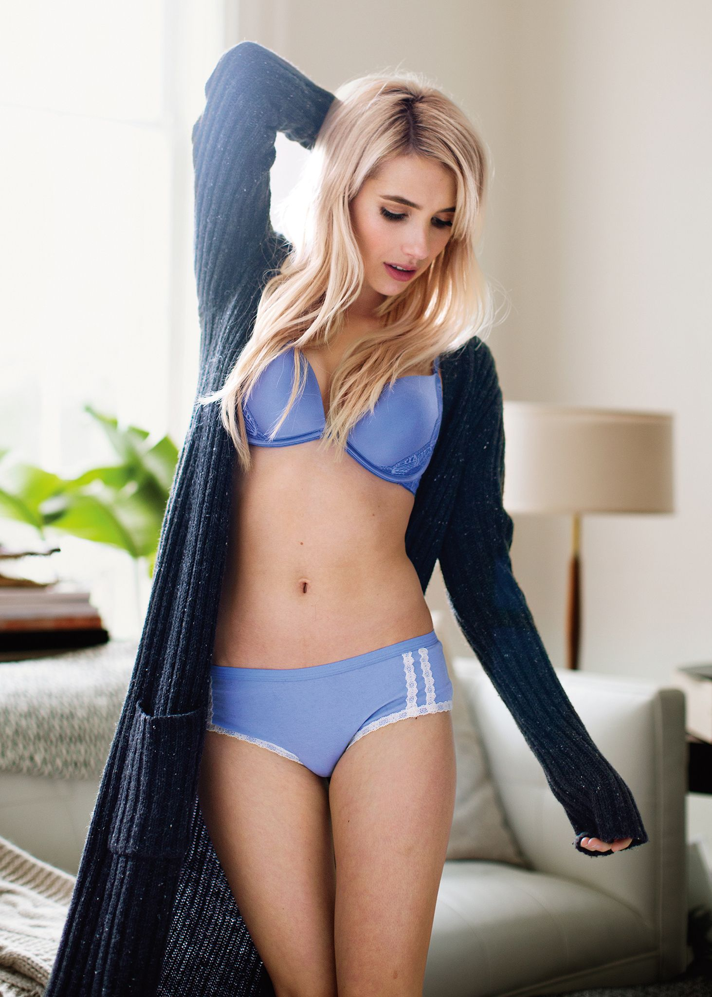 Watch Emma Roberts Bra And Panties Scene From The Movie Nerve video