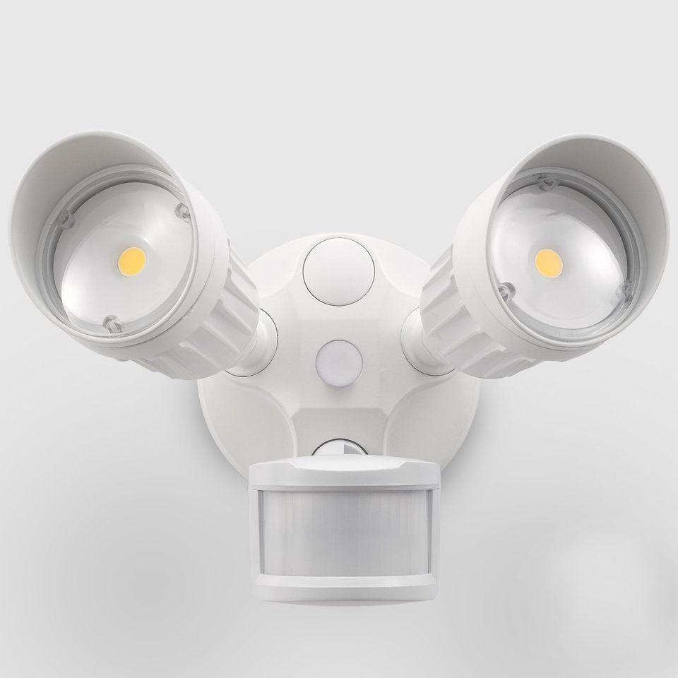 The 8 Best Outdoor Motion Sensor Lights Of 2020 Motion Sensor
