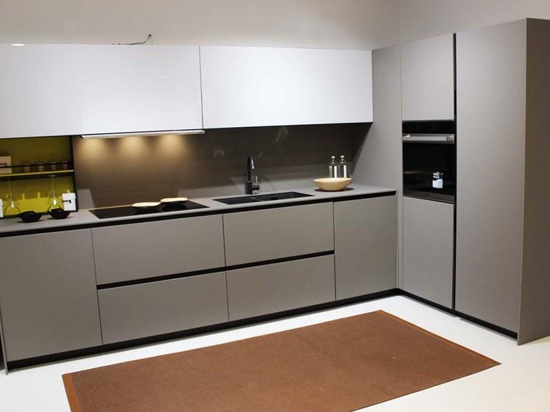 Cucina grigio design ad angolo Copatlife 3.1 fenix anta 30 ...
