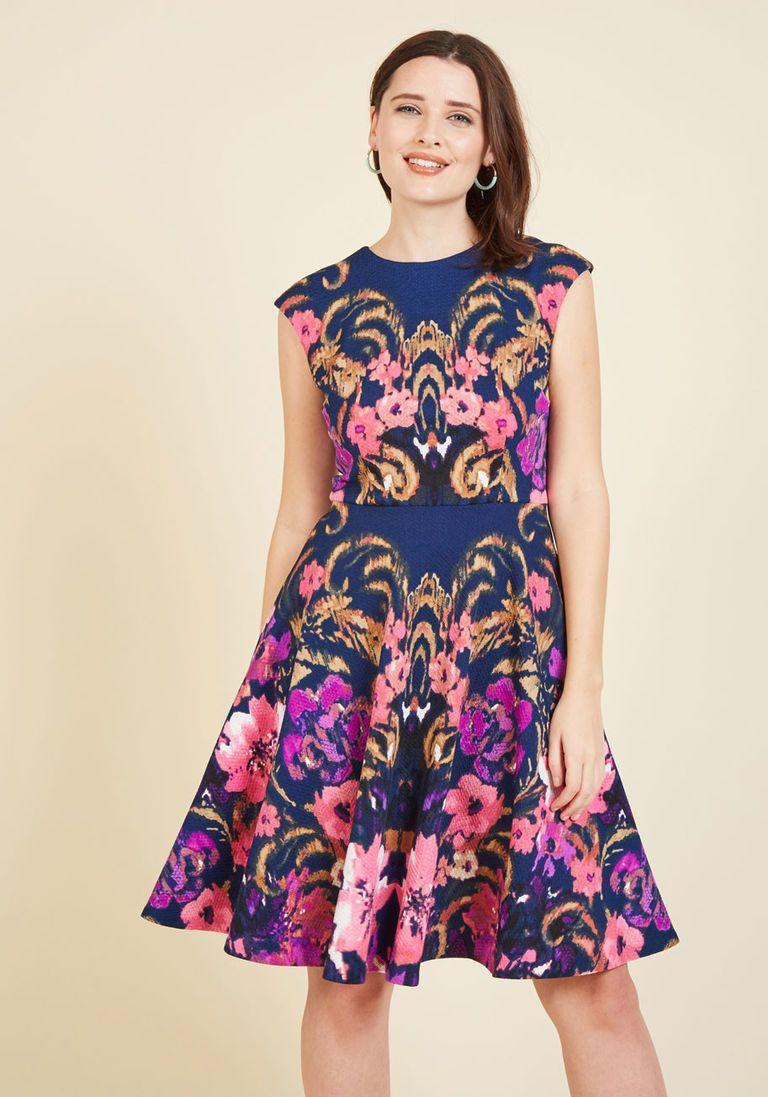 Hamptons Garden Party Floral Dress in 0 - Cap A-line Knee Length ...