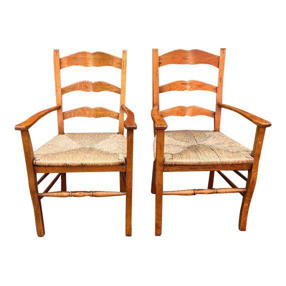 7 Charming Vintage Kitchen Decor Ideas | Oak dining chairs ...