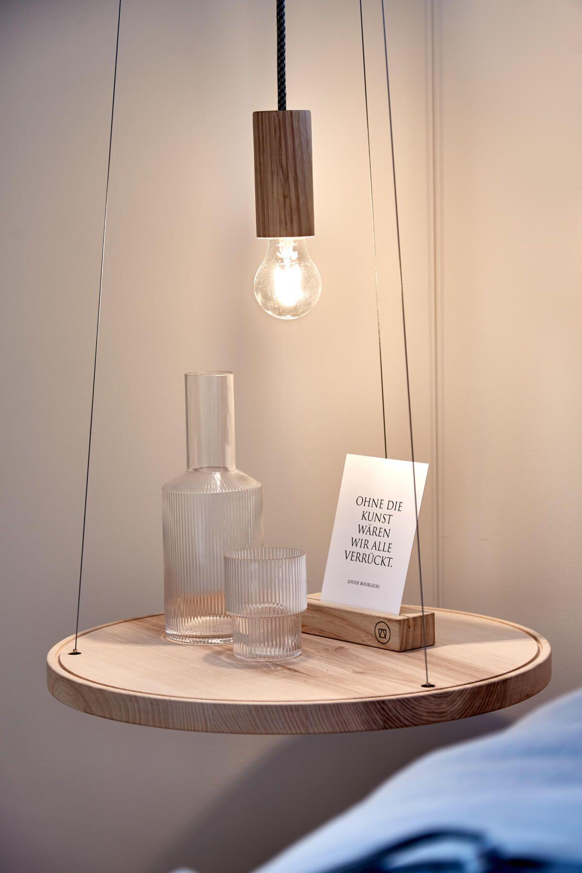Nachttisch hängend - Interior Design Schlafzimmer Einfamilienhaus ...
