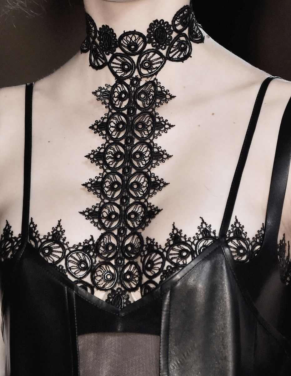 Dark Romance - black leather lace bodice; fashion details // Alexander McQueen Fall 2015