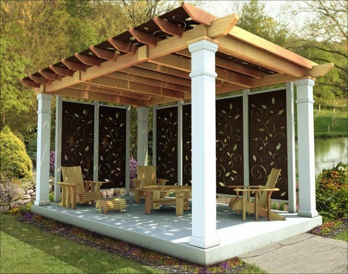 Eine alleinstehende Pergola mit zusätzlichem Sonnenschutz Garten - terrassen bau tipps tricks
