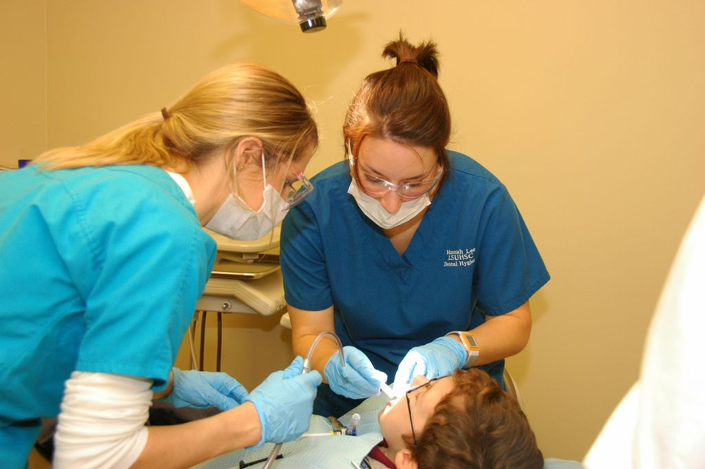 How long does it take to be a dental hygienist? Dental