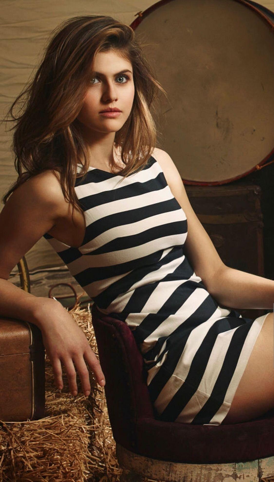 Alexandra Daddario - Personal Pics 2020 (9 Photos)