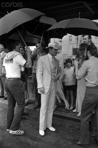 The Great Gatsby 1974 | Redford on set under umbrellas