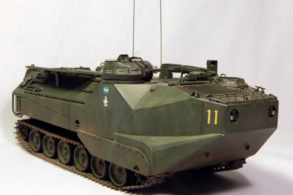 TRACK-LINK / Gallery / LVTP-7 of de Argentine Navy