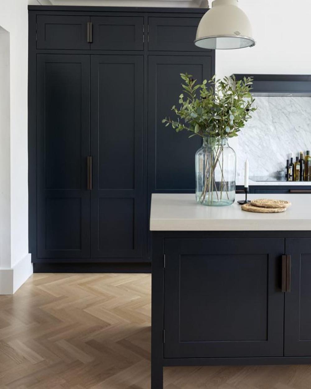 Armac Martin On Instagram This Award Winning Kitchen By Mowlemandco Is Still Suc Kitchen Inspiration Design White Kitchen Design Contemporary Modern Kitchen