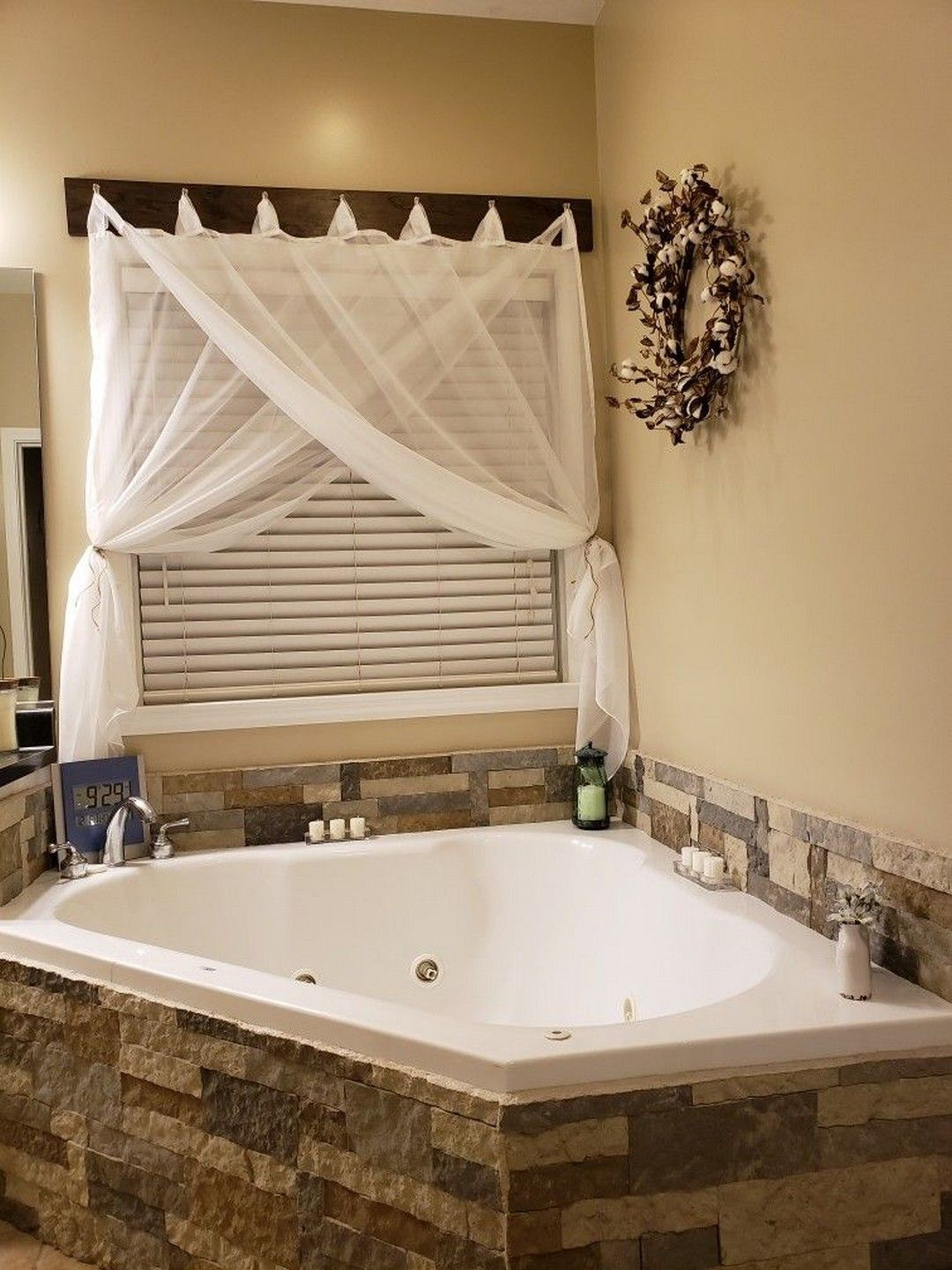 18 Easily Update Your Boring Built-in Bathtub With ...
