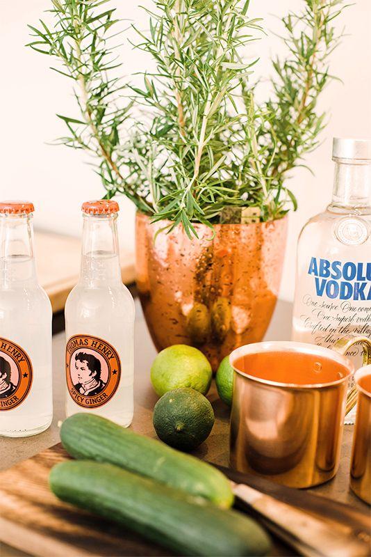 Gurke und Spicy Gingerale machen diesen wodkabasierten Drink besonders erfrischend. #Happy Hour zuhause #Drink #Cocktail #Sommer#erfrischend