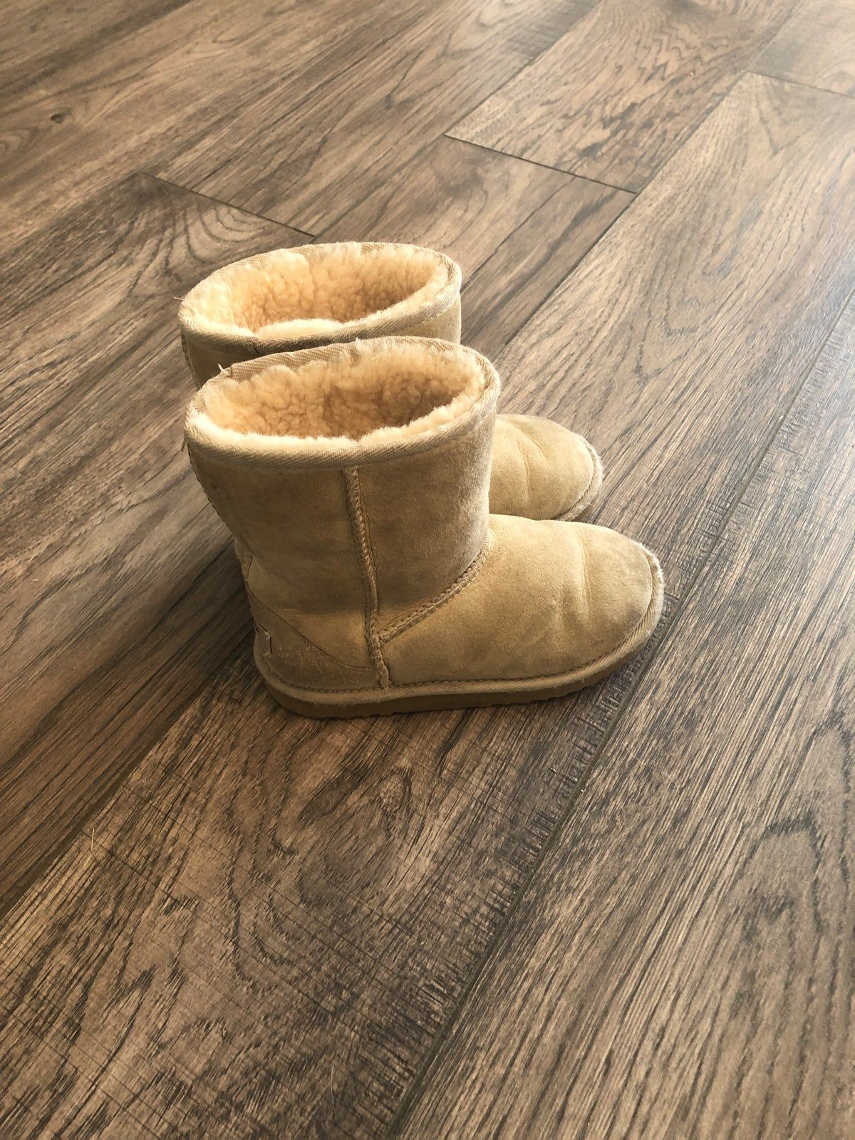 Ugg boots, Bearpaw boots