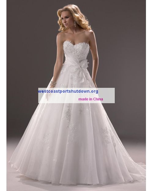 4aa90be443f2 Embellished lace adds dimension Sweetheart Maggie Sottero Hensley-3MS747  price bridal gown wedding dress