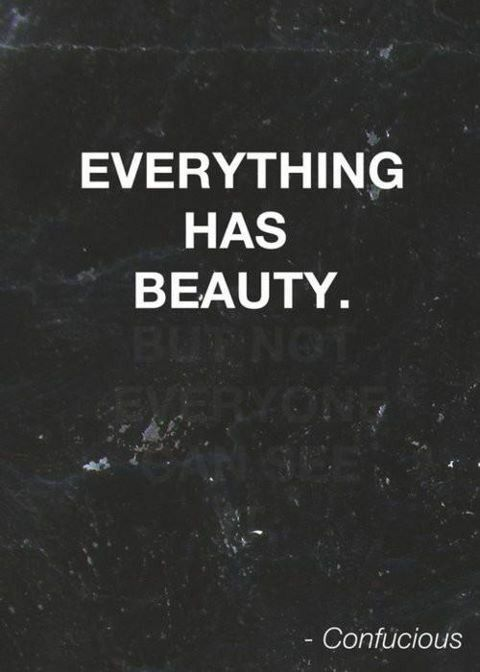 Presta atenção à tua volta... Há coisas belas que nem dás por ela... Tu és uma delas... O teu corpo é uma máquina perfeita...