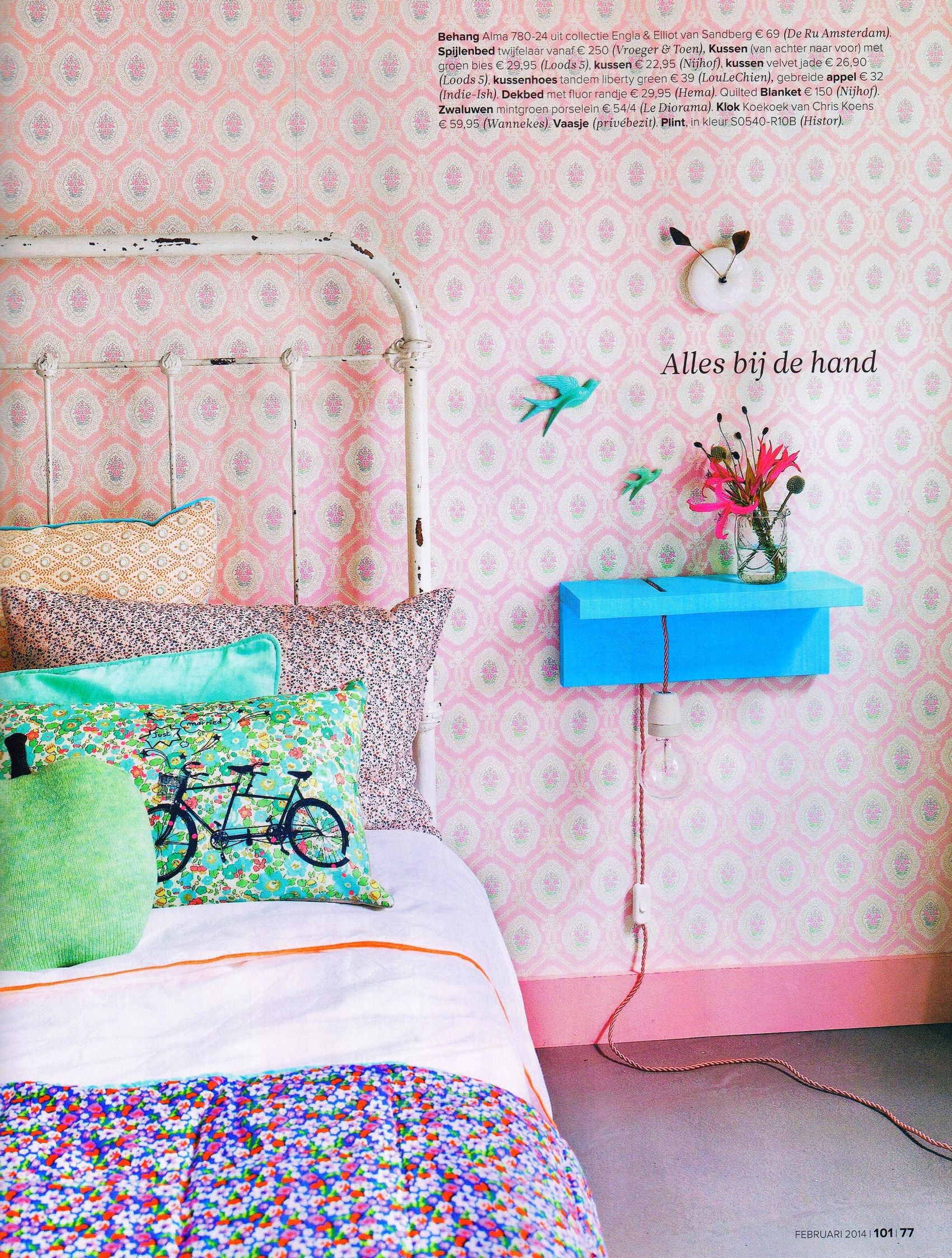 LOVE everything about this! Sweet pink floral wallpaper