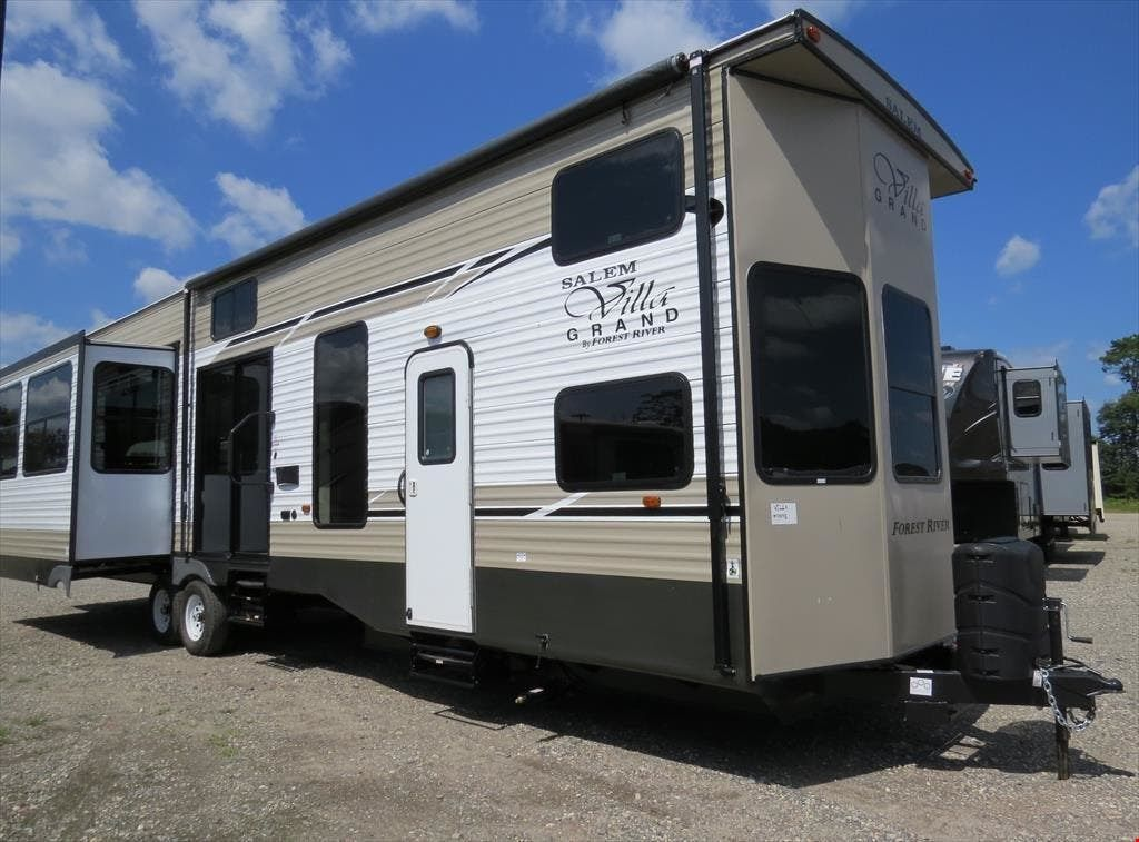 Keystone Rv 406fb Floorplan 2 Bed 1 1 2 Bath Keystone Rv Rv Residences